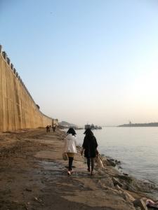 Đi dạo bên sông Tương sau những buổi học