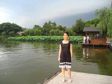 Du học sinh VN bên Tây Hồ