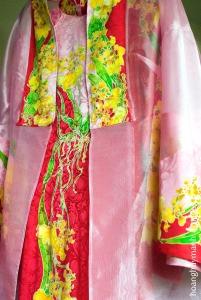 Tranh trên lụa và thiết kế áo, Lai Hồng