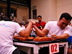Chung kết vật tay sinh viên 10.5.2009