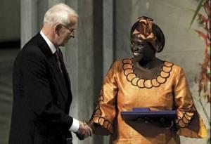 Nhận giải Nobel Hòa Bình năm 2004