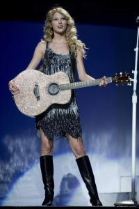 taylor-fearless-tour-ny-005