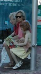 Đọc tại trạm bus