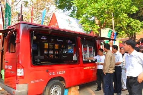 Xe phục vụ cà phê miễn phí