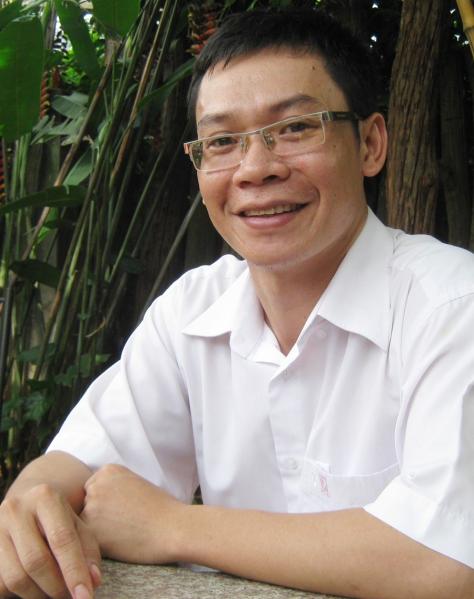 Nhà báo Võ Phụng Hoàng