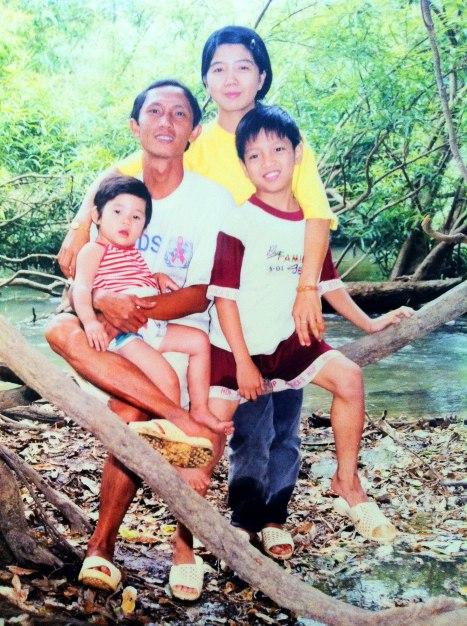 Gia đình Bs Bun Mung Lào thời hạnh phúc