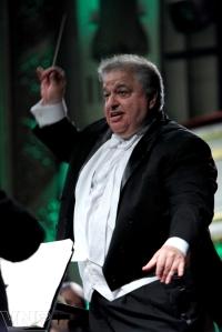 Nhạc trưởng Lior Shambadal