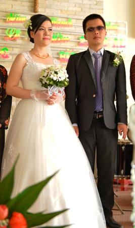 Xuân Long và Bích Trầm trong lễ cưới