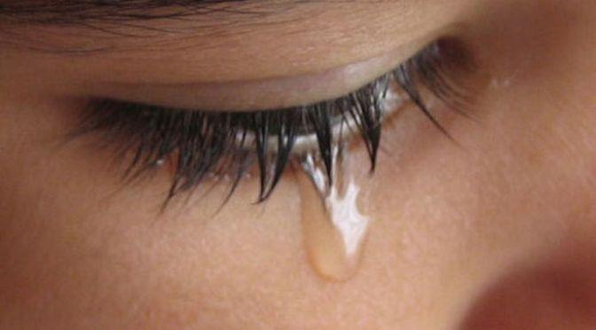 Giọt nước mắt lúc nửa đêm