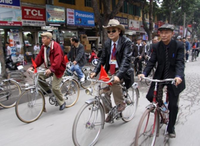 Những chiếc xe cà tàng ra thành phố
