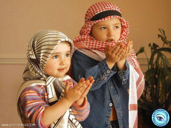 cute-muslim-kids-praying-800x600