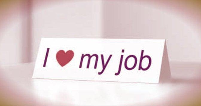Mê tiền, ham chơi và công việc yêu thích