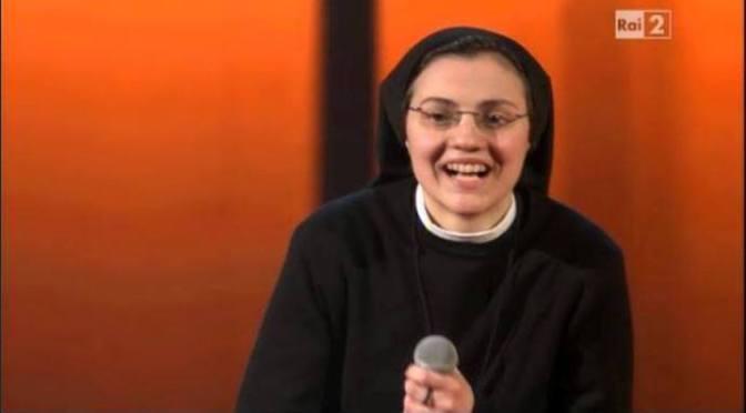 Soeur Cristina Scuccia thi hát The Voice tại Italia
