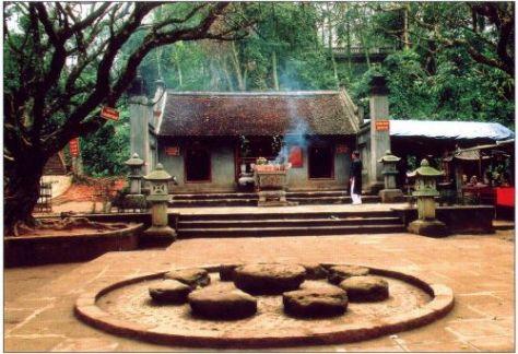 Đền Hùng - Đền Trung