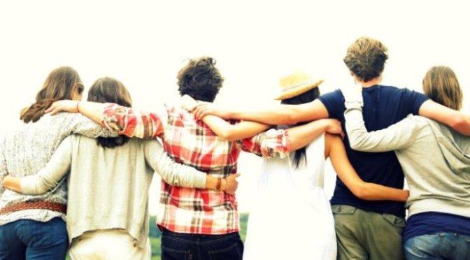 Bạn bè ơi thương nhau!