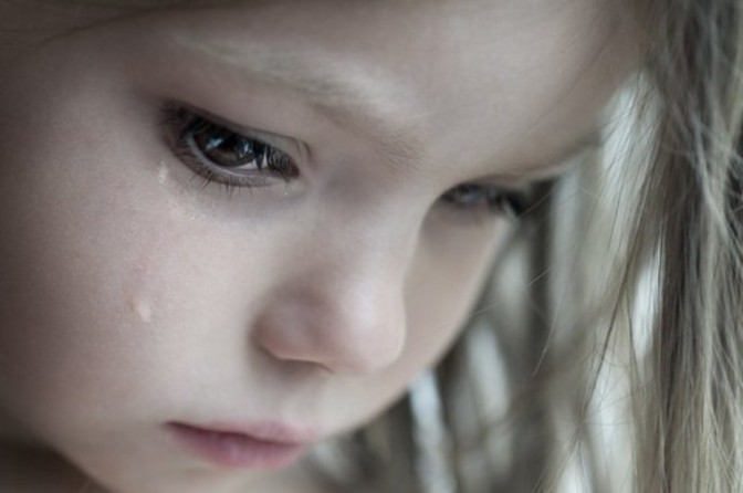 girl,heart,sad,tears,children,crying-fb2fece012f4e3a51fc8ef275afdb5c2_h