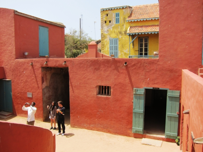 Cánh cửa không có đường về – Gorée island