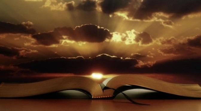 Đọc kinh sách