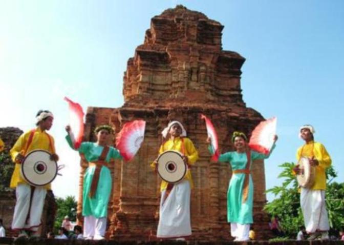Chào mừng lễ hội – Tết Katé của dân tộc Chăm