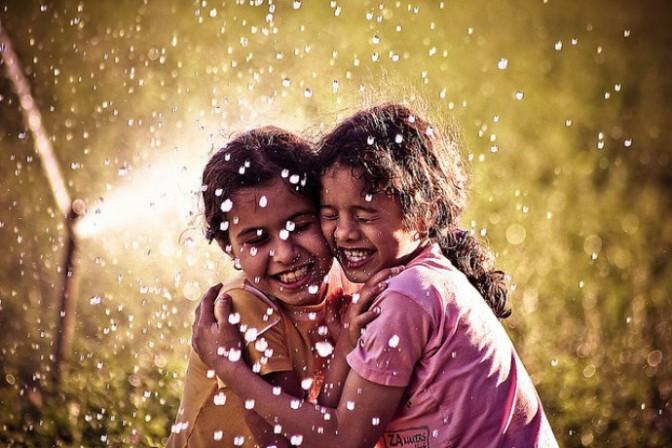 friends-girls-hug-Favim.com-227234