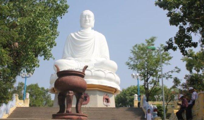 Tượng Kim  Thân  Phật Tổ ở Nha Trang