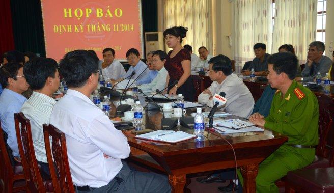 Đại diện báo Tiền Phong yêu cầu chấm dứt kiểu trù dập người tố cáo của CA huyện Cư Kuin