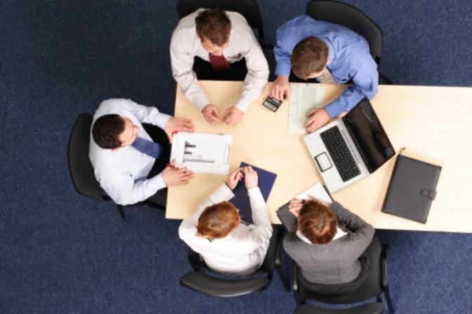 Liên hệ con người trong kỹ năng quản lý nhân lực