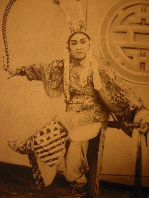 Nghệ sĩ Tả Giang trong vai Lã Bố, vở Phụng Nghi Đình 1960 diễn ở Sài Gòn