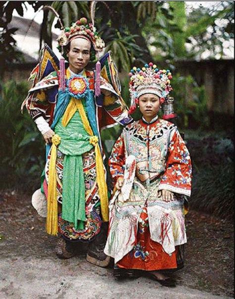 Hai diễn viên hát bội vào đầu thế kỷ 20
