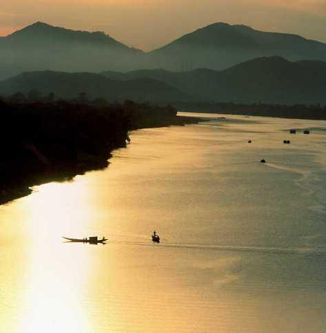 Sông Hương - Núi Ngự Bình, Thừa Thiên-Huế