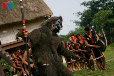 Lễ hội được tổ chức với ý nghĩa xua đuổi những điều xấu, dịch bệnh khỏi buôn làng.