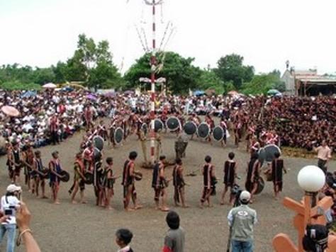 Lễ Hội Đâm Trâu của tộc Ba Na.