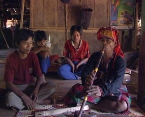 Một buổi tập thổi sáo Pi ở xã Trường Sơn.