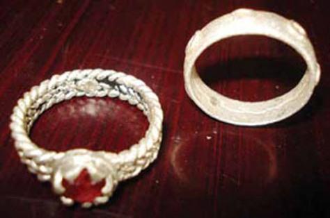Nhẫn bạc truyền thống Chu Ru.