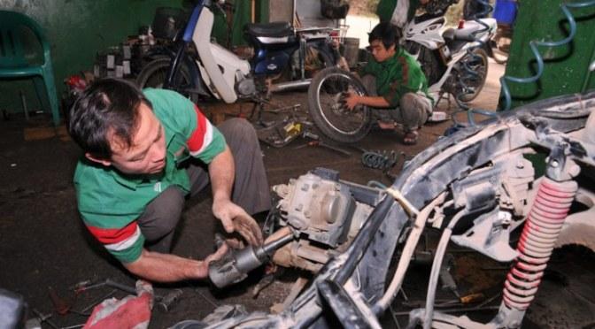 Học sửa xe máy