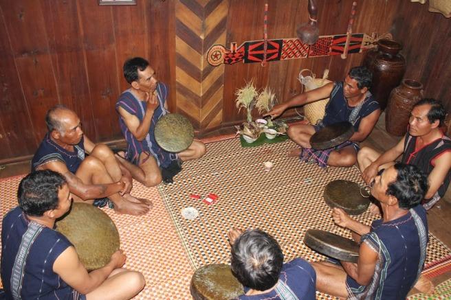 Bộ chiêng 6 của dân tộc K'Ho.