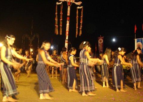 Múa Xoan của dân tộc K'Ho.