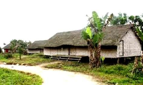 Một bản làng dân tộc K'Ho.