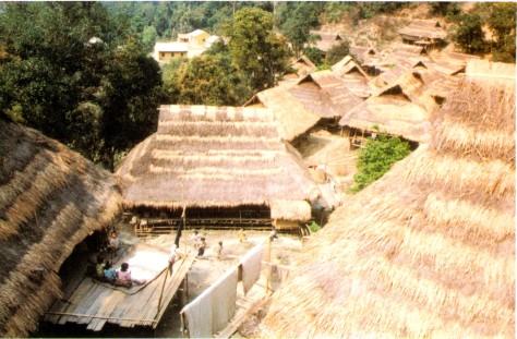 Một bản làng người Cống.