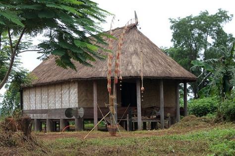 Nhà Rông của dân tộc Gié Triêng (nhóm Triêng) - Làng Văn hóa - (ảnh TTD)