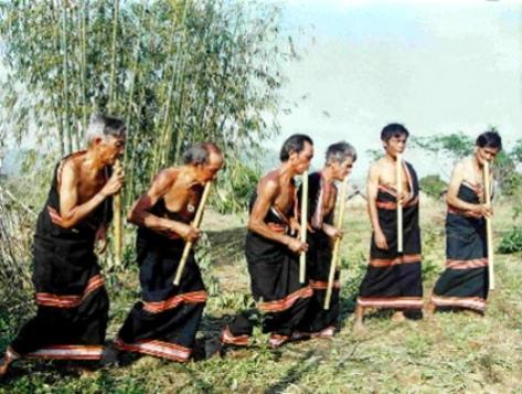 Sáo Đinh tút của dân tộc Giẻ Triêng.