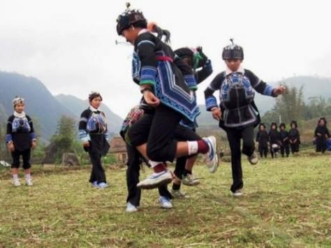 Những ngày này trẻ con Hà Nhì là những người vui nhất.