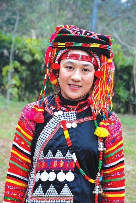 Sơn nữ Hà Nhì.