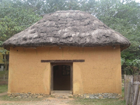 Độc đáo nhà trình tường của người Hà Nhì.