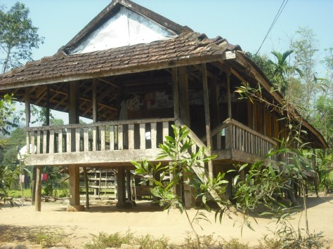 Độc đáo kiến trúc nhà sàn dân tộc Hrê.