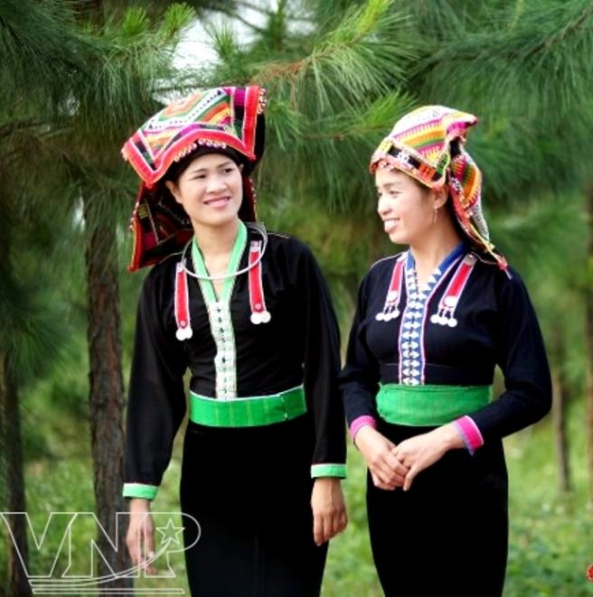 Thiếu nữ dân tộc Kháng.