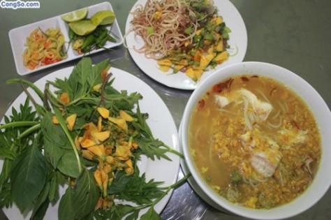 Bún nước lèo Khmer.