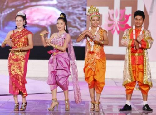 Trang phục dân tộc Khmer.