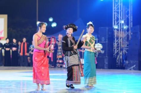 Trang phục truyền thống dân tộc Lào.