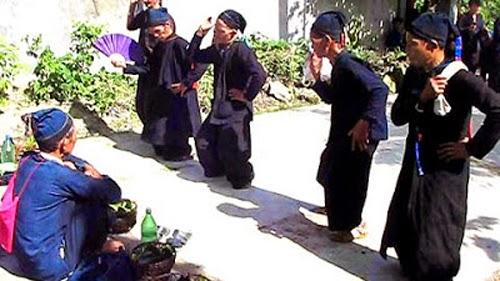 Lễ cúng Tết Khu Cù Tê của người La Chí diễn ra rất trang trọng.